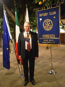 Alfredo Ciccodicola nuovo presidente Rotary Club Sorrento – il direttivo –
