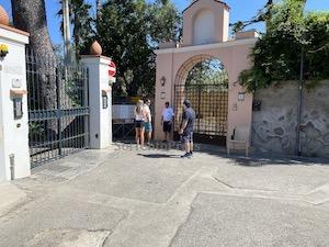 Il sindaco di Sorrento ordina il contingentamento degli accessi alla Regina Giovanna