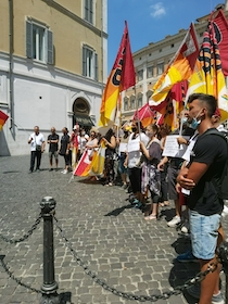 Lavoratori stagionali, poche rassicurazioni dal ministro dopo la manifestazione di Roma