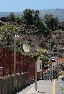 De Luca sospende i lavori per il raddoppio dei binari sulla Napoli-Sorrento