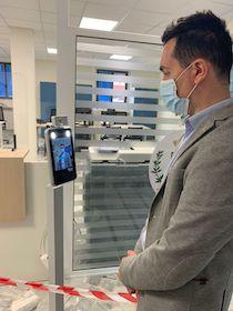 Nuova ordinanza De Luca, termoscanner obbligatori negli uffici pubblici