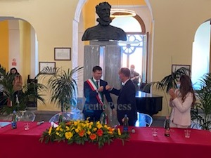 Da oggi Massimo Coppola è il nuovo sindaco di Sorrento – foto –