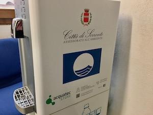 Comune e scuole di Sorrento plastic free, installati erogatori di acqua