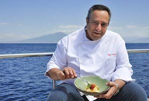 I piatti dello chef stellato di Sorrento Peppe Aversa nelle mense parrocchiali