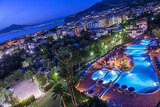 Apre La Terrazza Lounge Bar dell'Hilton Sorrento Palace