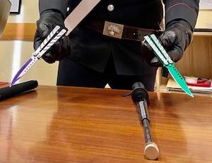A Sorrento con coltelli e sfollagente, denunciati due minori