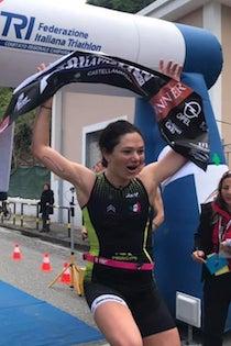 Triathlon delle Palme, secondo posto per la mamma sprint di Sorrento Lidia Principe
