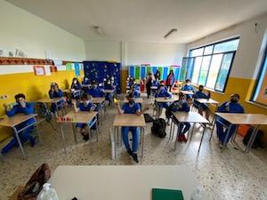 """""""Torneremo a scuola"""", l'inno degli studenti firmato dalla Polizia di Stato – video –"""