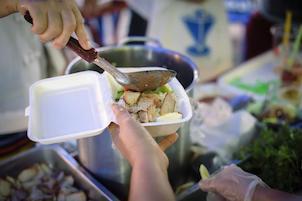 A Sorrento tagli della Tari per chi dona cibo ai bisognosi