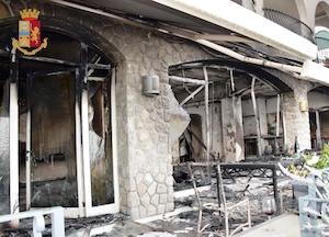 Incendia la villa dove è ospite a Massa Lubrense, turista arrestato