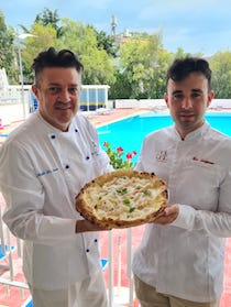 """Da Sorrento a Torre del Greco la pizza """"I love Lorelei"""""""