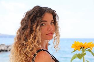 La cantautrice di Vico Equense Mariagrazia dedica un brano alla Nazionale ed agli atleti italiani