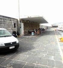 Camion contro pensilina del porto di Sorrento, chiusa parte della banchina