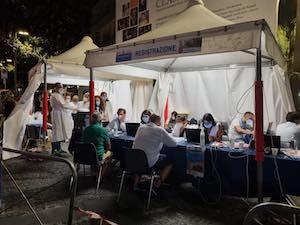 vaccini-in-piazza-sorrento-3