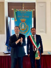 Peppe Aiello proclamato sindaco di Vico Equense